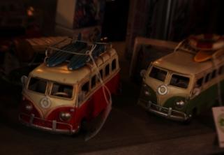 Réplicas de de camioneta VW en el mercado de Los Encantos